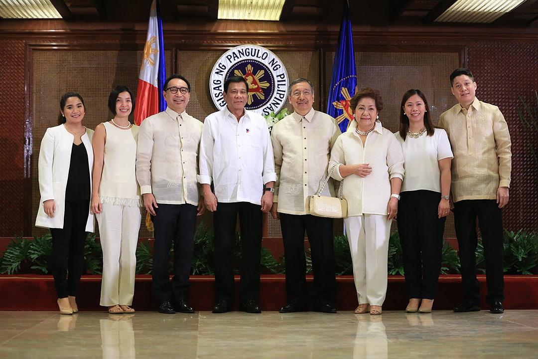 President Rodrigo Duterte administers oath taking of Ambassador Amable R. Aguiluz V